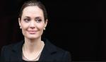 BRCA1 und BRCA2 Genetische Tests: Angelina Jolie hat sich beide Brüste operativ entfernen lassen, um das Brustkrebsrisiko zu minimieren.